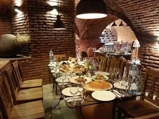 مطاعم حلال في تبليسي جورجيا | أفضل 5 مطاعم للعرب في تبليسي 2