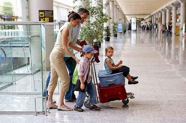 نصائح السفر مع الاطفال فى الطائرة 3