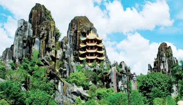 الأماكن السياحية في دانانغ