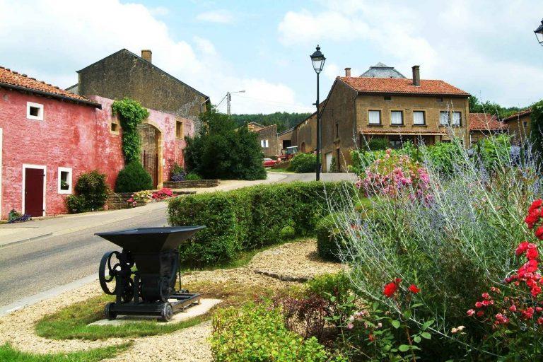 قرية تورني البلجيكية Torgny Belgium