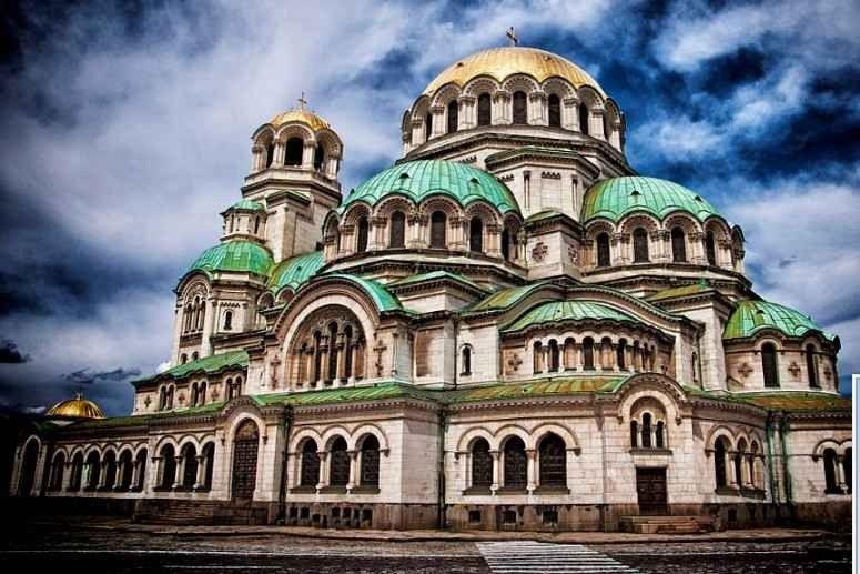 كاتدرائية ألكسندر نيفسكيAlexander Nevsky Cathedral