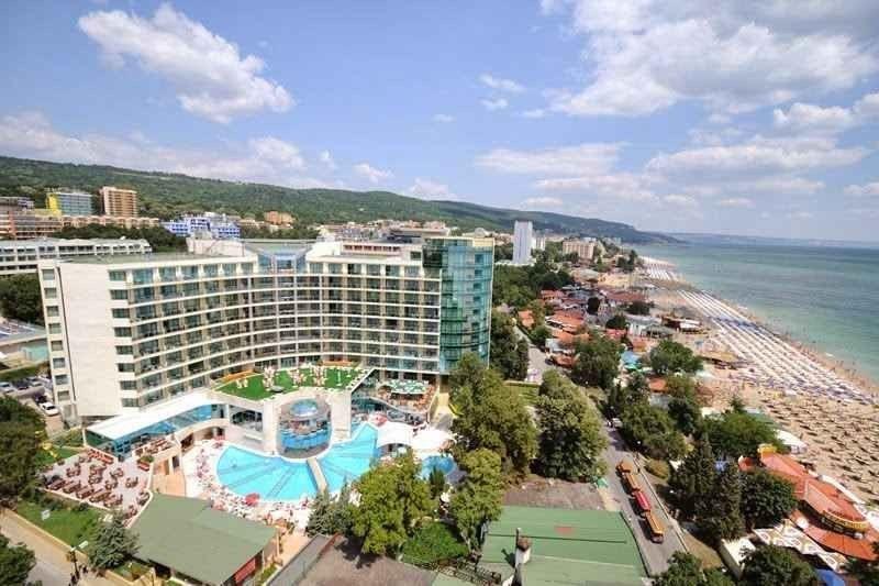 منتجع فارنا ريفييرا بيتشvarna riviera beach resort