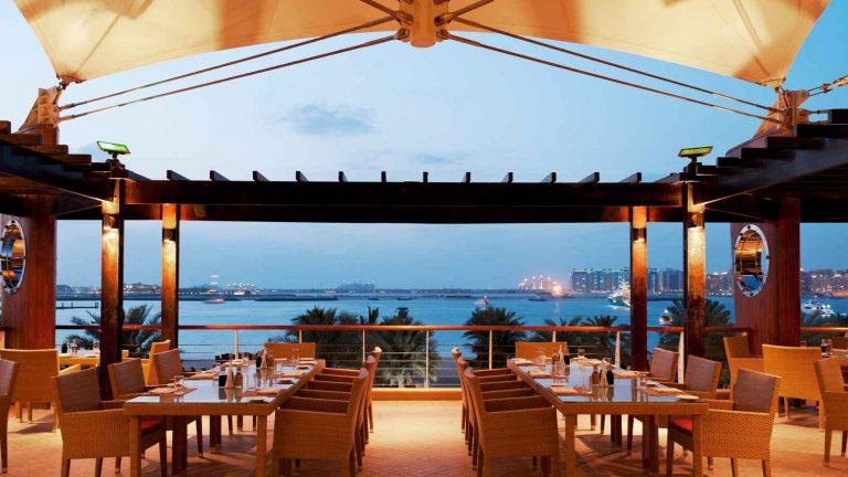أجمل مطاعم الكويت على البحر لتناول وجبات عائلية شهية 7