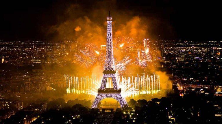 الأعياد والاحتفالاتHolidays and Celebrations