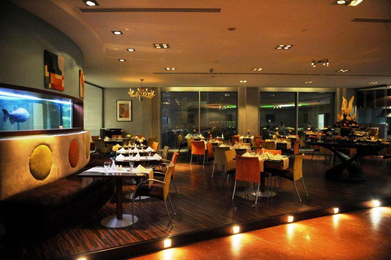 افضل مطاعم الكويت العائلية التي تقدم اشهى الوجبات السريعة 1