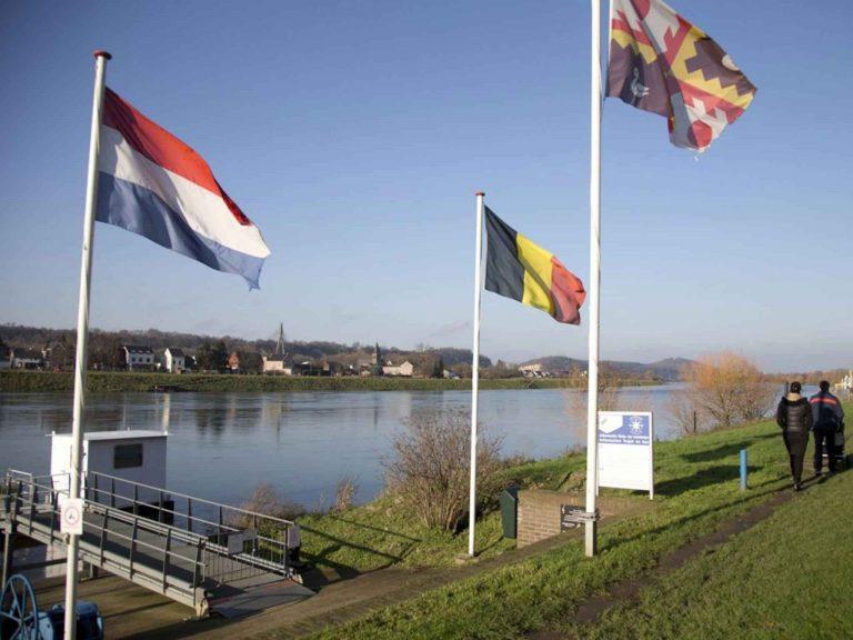 المدن القريبة من هولندا