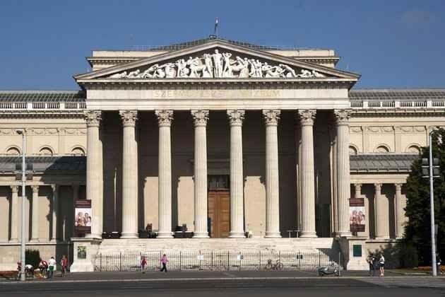 الأماكن السياحية في بودابست التي تستحق الزيارة 3