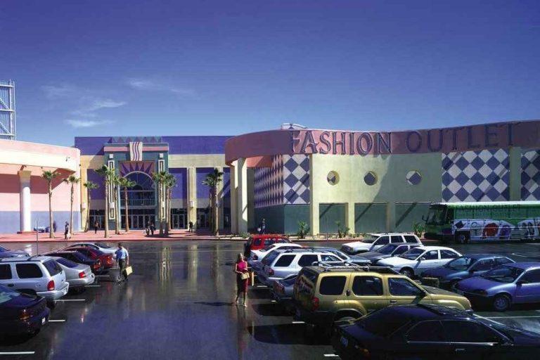 صورة دليلك لأفضل متاجر الاوت لت في لاس فيغاس