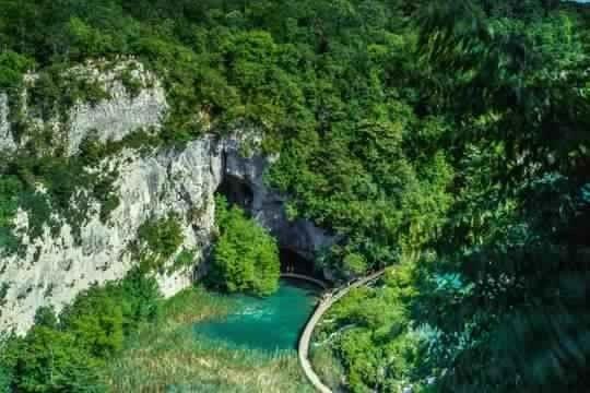 Photo of بحيرات بليتفيتش في كرواتيا   طبيعة وجمال