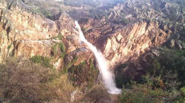 منتزه الشلال في تنومهThe Waterfall Park Tanu