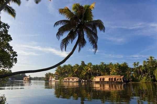 الأماكن النائية في كيرالا Kerala Backwaters