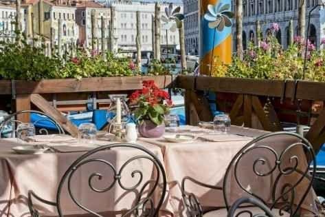 مطعم ألكوفا L'Alcova Restaurant