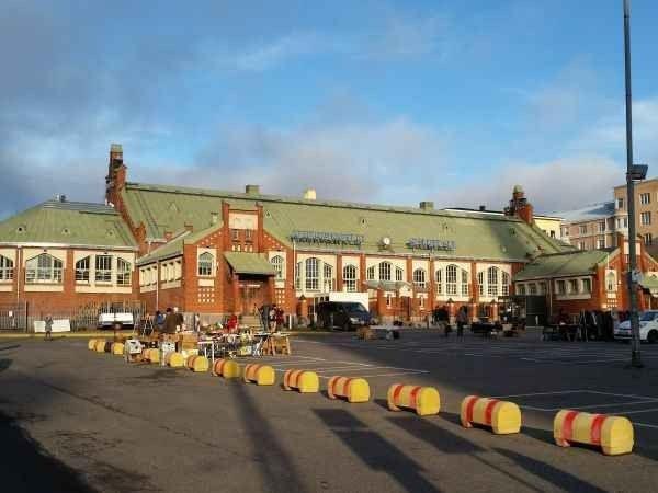 قاعة هيتالاهيتي للتسوق Hietalahti Market Hall