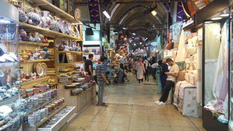 Photo of الأسواق الرخيصة في اسطنبول .. أشهر 5 أسواق تبيع البضائع بأسعار رخيصة