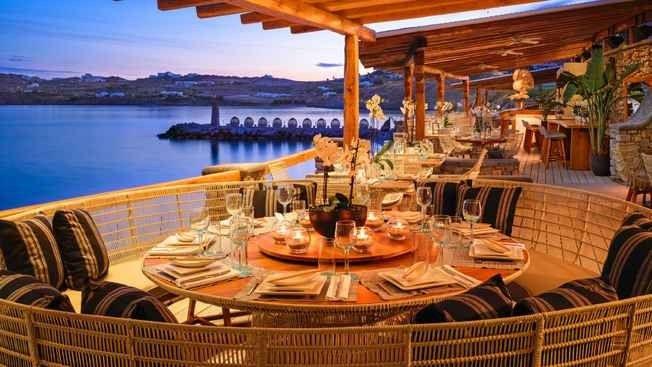 374bcb6d6 افضل مطاعم الخبر على البحر .. تناول طعامك على أنغام الموج و نسمات الهواء  العليل