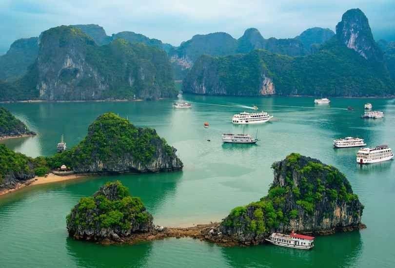 خليج ها لونغ Ha Long Bay