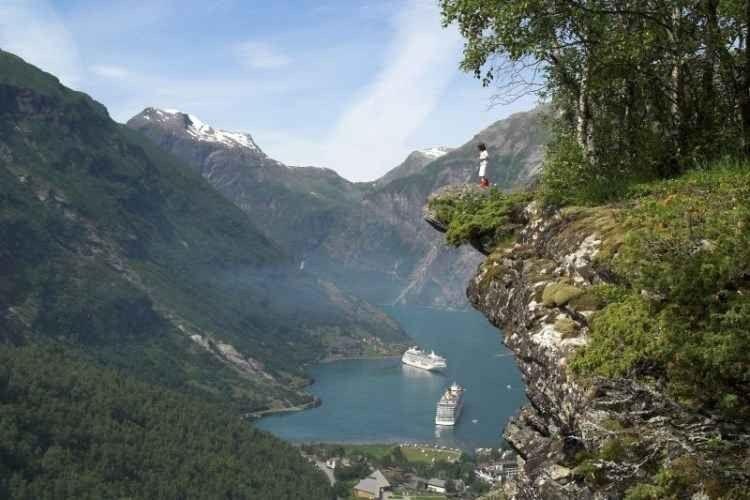 المضايق الغربية Western Fjords
