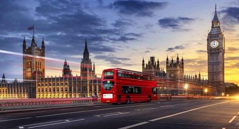 كيفية التنقل فى بريطانيا..وأفضل وأرخص وسائل المواصلات ...