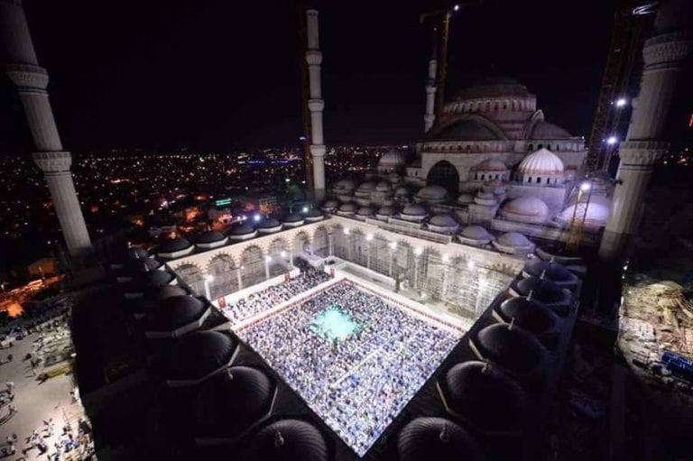 """عدد مساجد اسطنبول..مدينة """"المآذن"""" التركية.."""