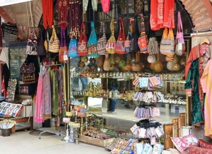 6d89b68f1464d سوق لالالي في اسطنبول..الأكثر شعبية حيث تجد أجود المنتجات وأرخص الأسعار…
