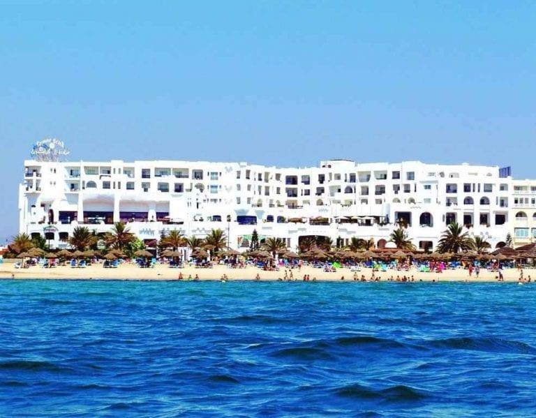 *شاطىء الحمامات..أجمل شواطىء البحر الأحمر..