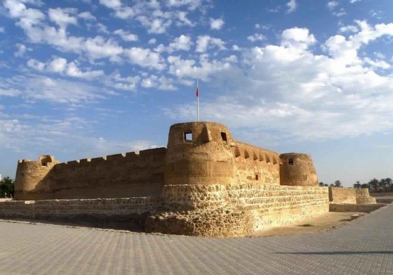 ما يميز البحرين عن غيرها من الدول ويجعلها واجهة سياحية مشرفة للعرب..