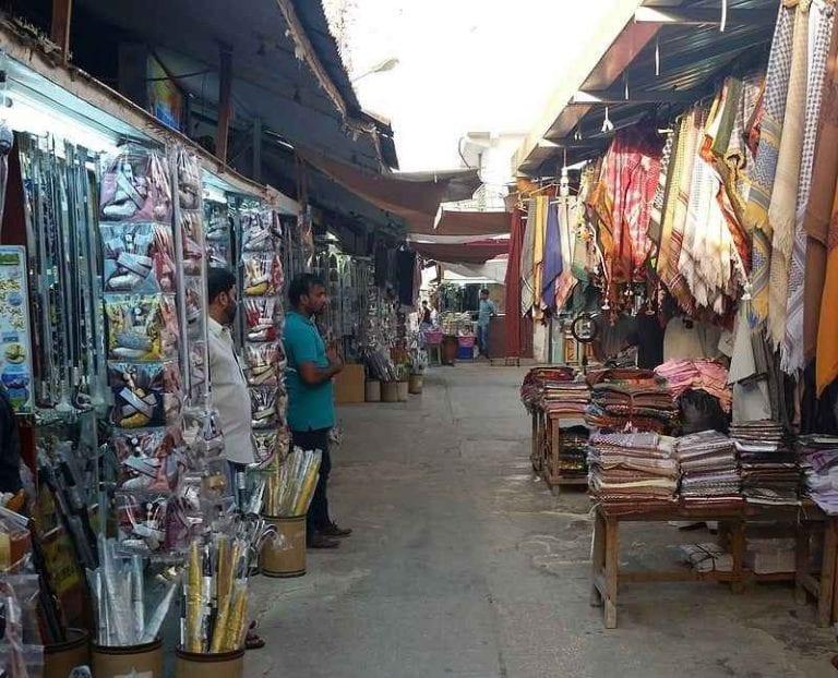 - سوق الحصن..