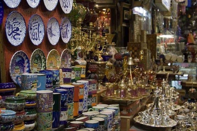 - سوق النحاسين فى طرابلس..