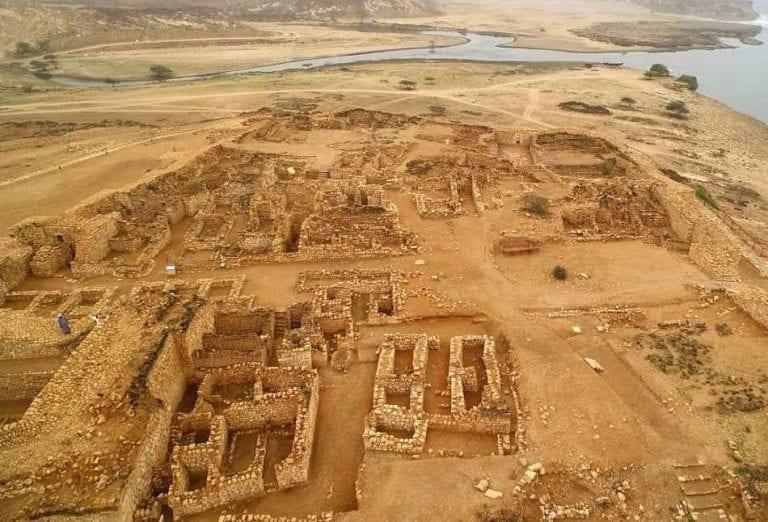 مدينة سمهرم الأثرية - السياحة في صلالة