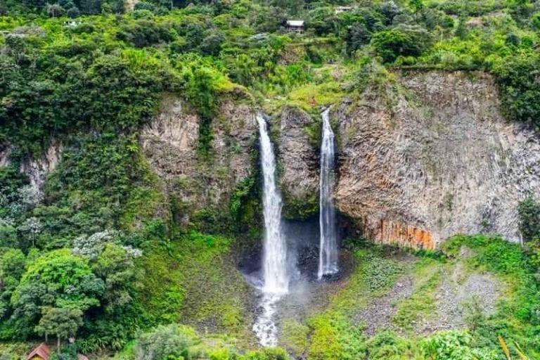 """الاماكن السياحية في الاكوادور .. """" بانيوسBanos """" .."""