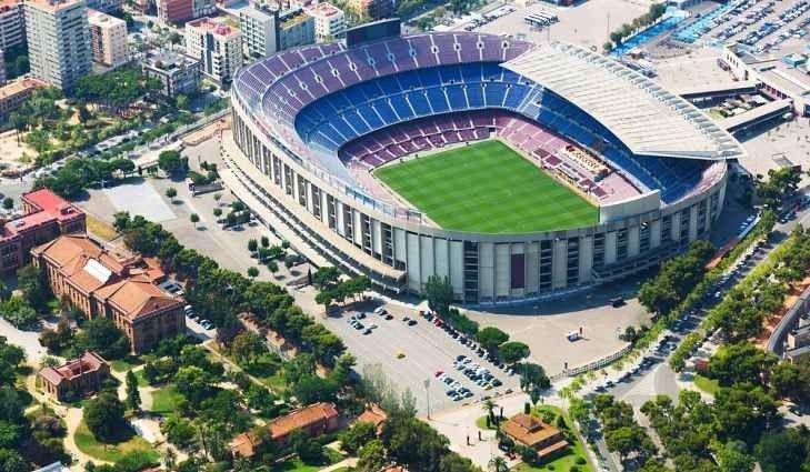 """- ملعب ماركانا """"Football or soccer"""" ..واحدا من أهم الاماكن السياحية في ريو دى جانيرو.."""