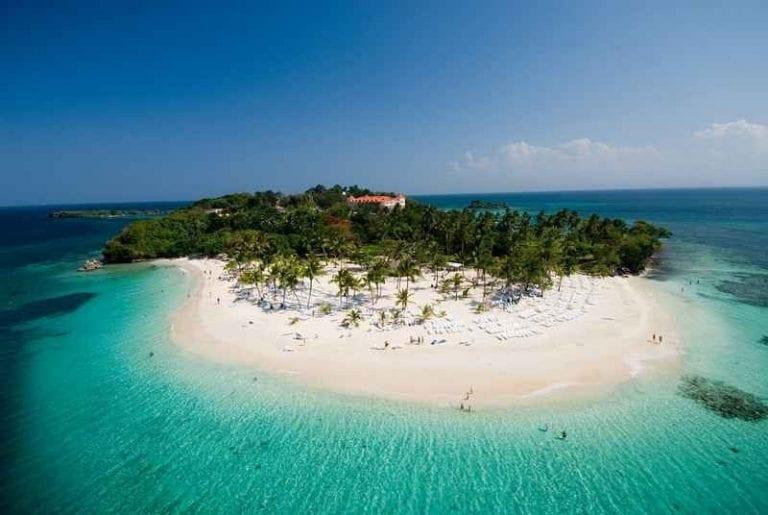 """- """"لا رومانا""""..واحدة من اجمل اماكن السياحة في الدومينيكان.."""
