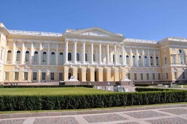 """الاماكن السياحية في بطرسبرغ .."""" المتحف الروسى Russian Museum"""" .."""