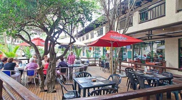 """"""" فرنسيستوون Francistown """" .. الاماكن السياحية في بوتسوانا .."""