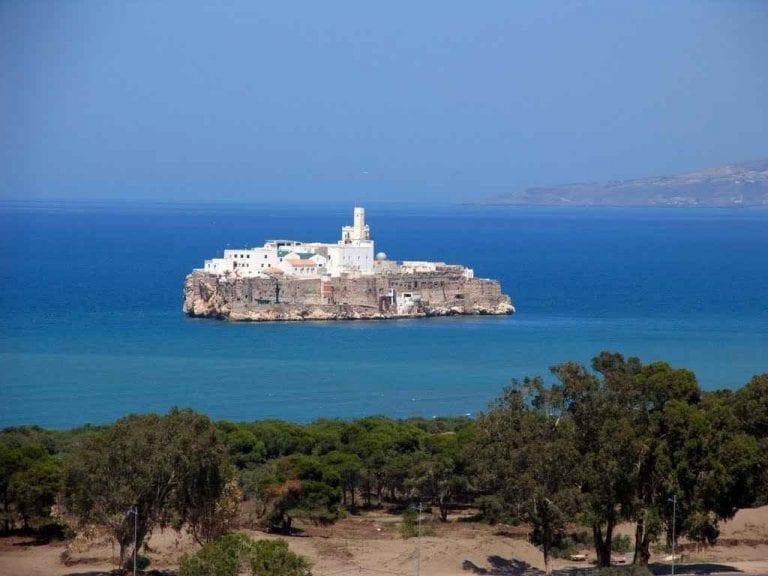 - إليك..أهم الشواطىء التى تمتاز بها الحسيمة المغربية...