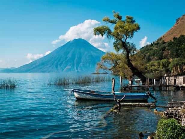"""- بلدة """"باناخاتشيل"""" """"Panajachel""""..واحدة من افضل اماكن السياحة في غواتيمالا.."""