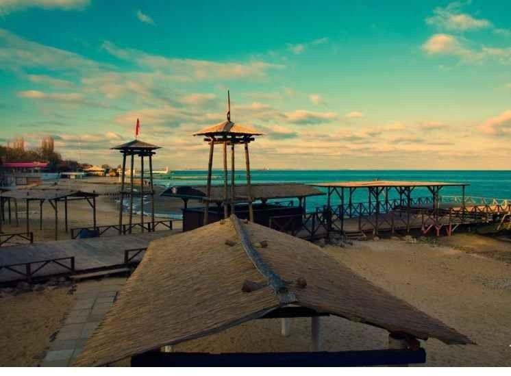 "- شاطئ ""لانزهيرون"".."