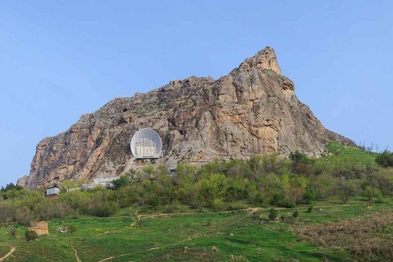 """"""" جبل سليمان Mount Solomon """" .. افضل معالم السياحة في قيرغستان .."""