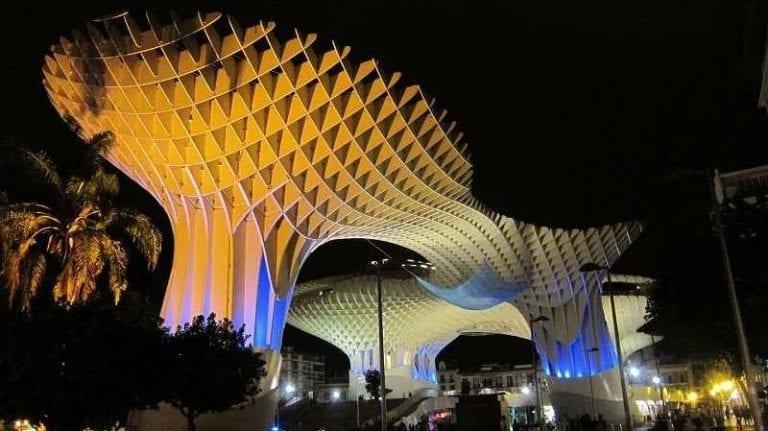 """- """"متروبول الشمسية الملونة""""..أجمل معالم السياحة في اشبيلية..."""