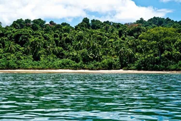 """-لا يفوتك زيارة """"خليج شيريكي""""Sherike Bay..واحدا من أجمل الاماكن السياحية في بنما.."""