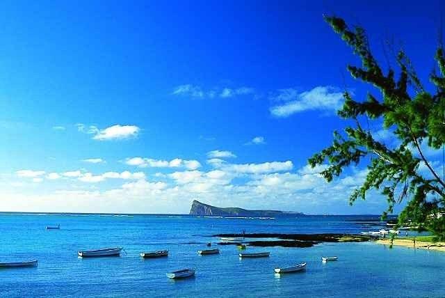"""- """"جزيرة موهيلي""""..أجمل الاماكن السياحية في جزر القمر ..."""