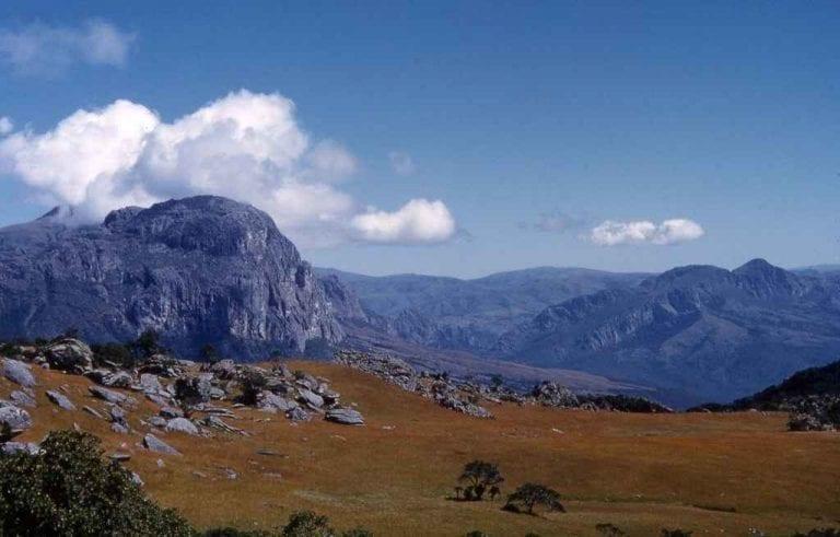 """- إذهب إلى حديقة """"جبال تشيمانيماني""""..عند السفر الى زيمبابوى .."""