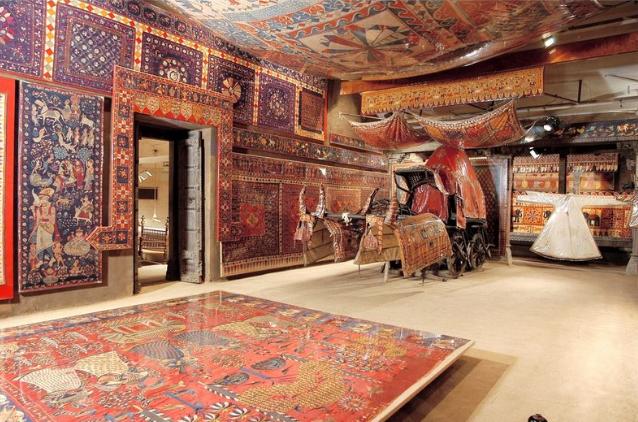 """- متحف """"كاليكو""""..واحدا من أهم الاماكن السياحية في أحمد أباد الهند..."""