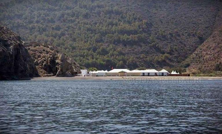 """- شاطئ """"بوسكور""""..واحدا من أفضل الاماكن السياحية في الحسيمة المغرب.."""