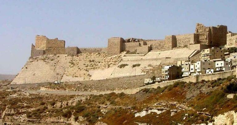 """- """"القلعة الصليبية"""" ..اجمل اماكن السياحة في الكرك..."""