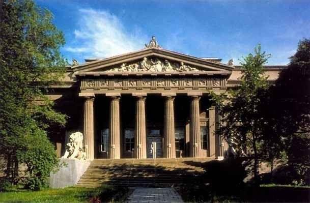 """- """"المتحف الوطني للفنون""""..أهم الاماكن السياحية في أوكرانيا .."""