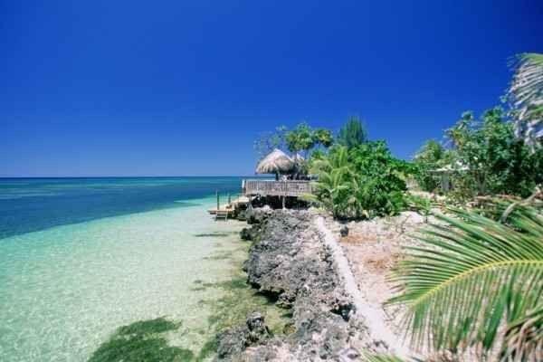 """- جزيرة """"Utila """"..واحدة من أهم الاماكن السياحية في الهندوراس.."""