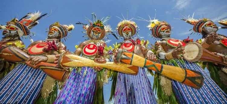 """إليك أهم الأنشطة فى بابوا غينيا الجديدة .. """" المهرجانات Papua New Guinea Festivals """" .."""