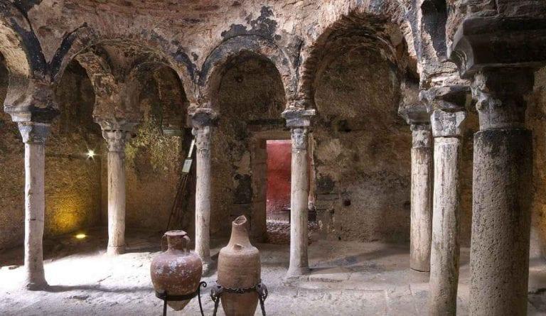 """"""" حمامات الاندلس Baths in Andalusia """" .. افضل معالم السياحة في مايوركا .."""