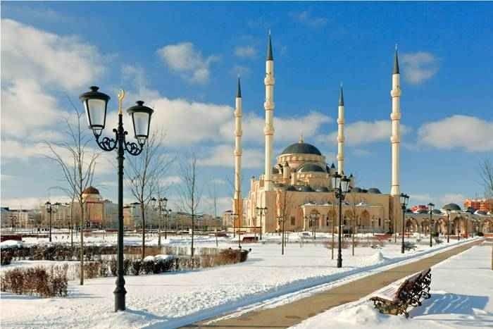 """"""" مسجد إيمانى قادروفا Kadyrov Mosque """" .. أهم اماكن السياحة في الشيشان .."""